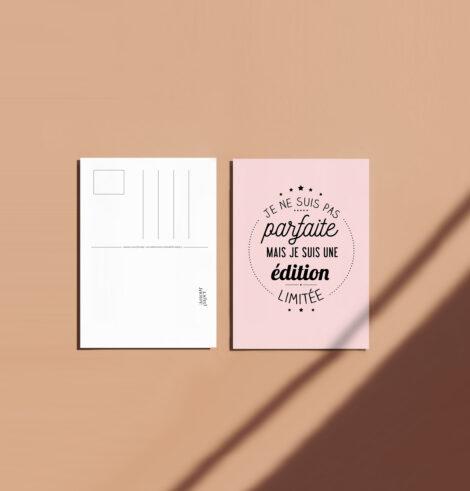 Carte postale je suis parfaite message rose