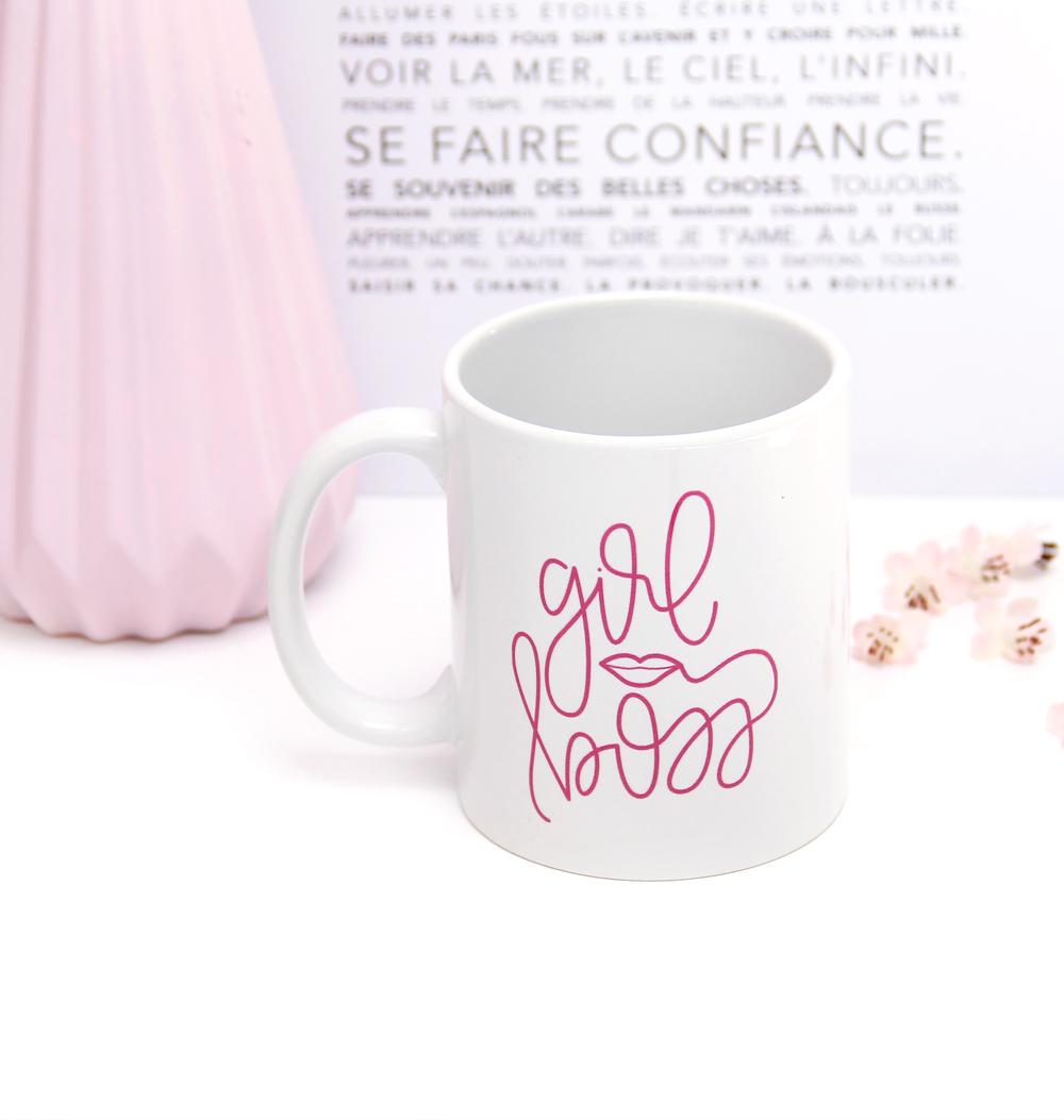 mug girl boss lips